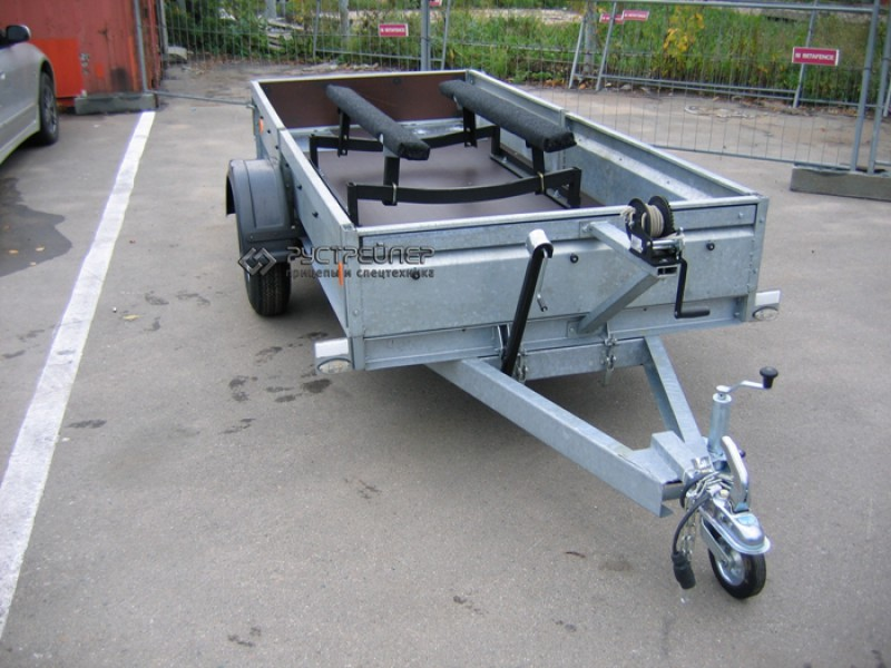 приспособление для легкового прицепа для перевозки лодки